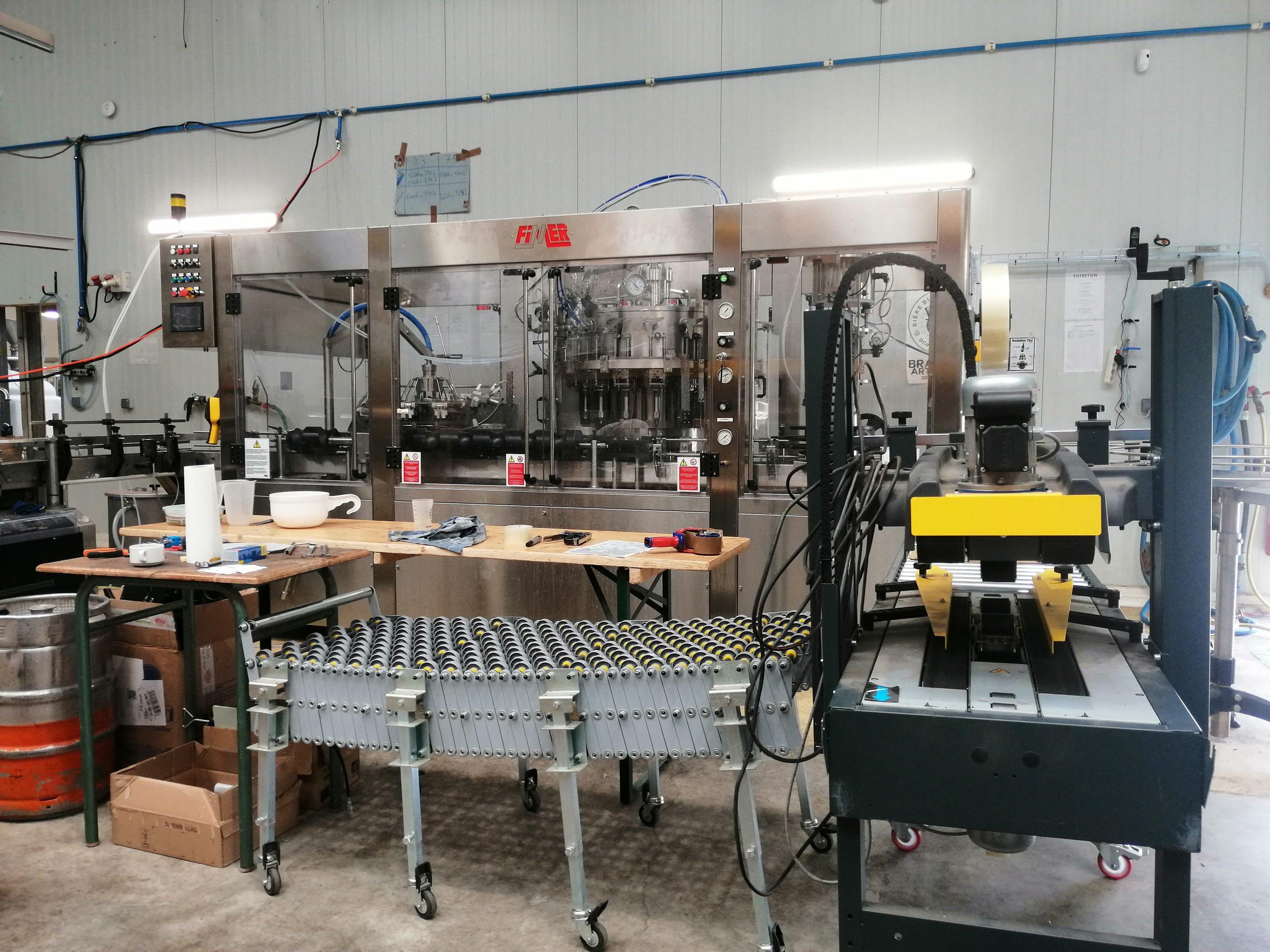 Photo machine mise en bouteille Brasserie Artisanale de Marcoussis